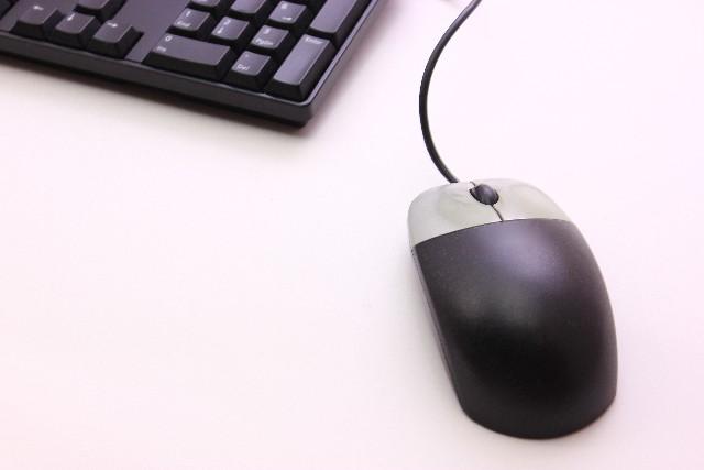 マウスがうまく動かない。